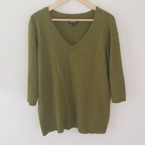 Avenue green v-neck cable knit sweater 18/20
